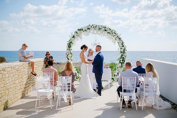 fall-wedding-paphos-white-green-hues_18x