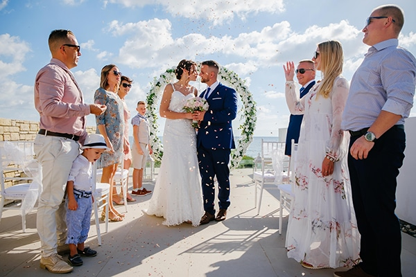 fall-wedding-paphos-white-green-hues_19x