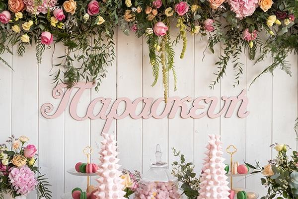floral-decoration-ideas-fairytale-baptism_01x