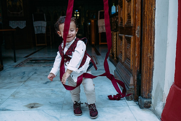 stunning-boy-baptism-athens-themed-air-balloon_20x