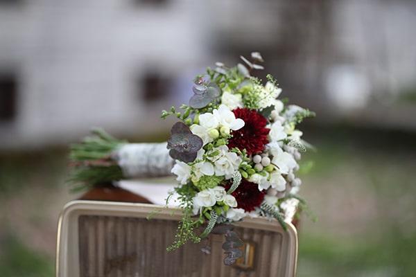 traditional-spring-wedding-village-vintage-rustic-details_04