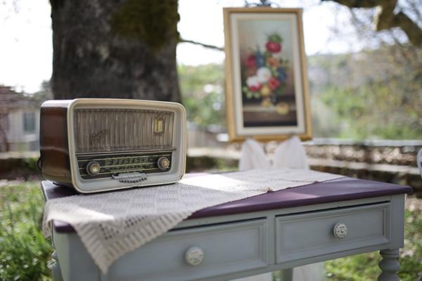 traditional-spring-wedding-village-vintage-rustic-details_15