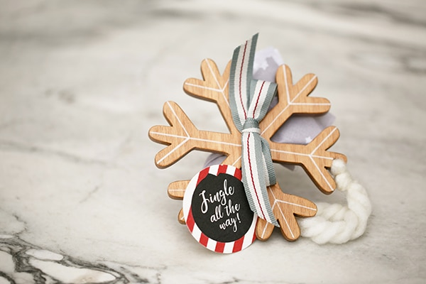 unique-festive-decoration-ideas-boy-baptism-themed-rudolf_07x