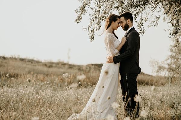 summer-traditional-wedding-lysianthus-roses-decoration_01