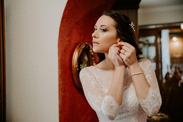 summer-traditional-wedding-lysianthus-roses-decoration_06