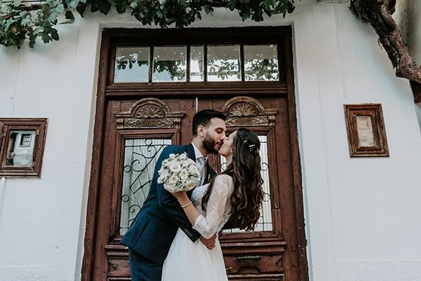 summer-traditional-wedding-lysianthus-roses-decoration_18