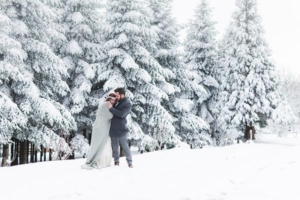 winter-wedding-chalkidiki-incredible-boho-setting-white-hues_04