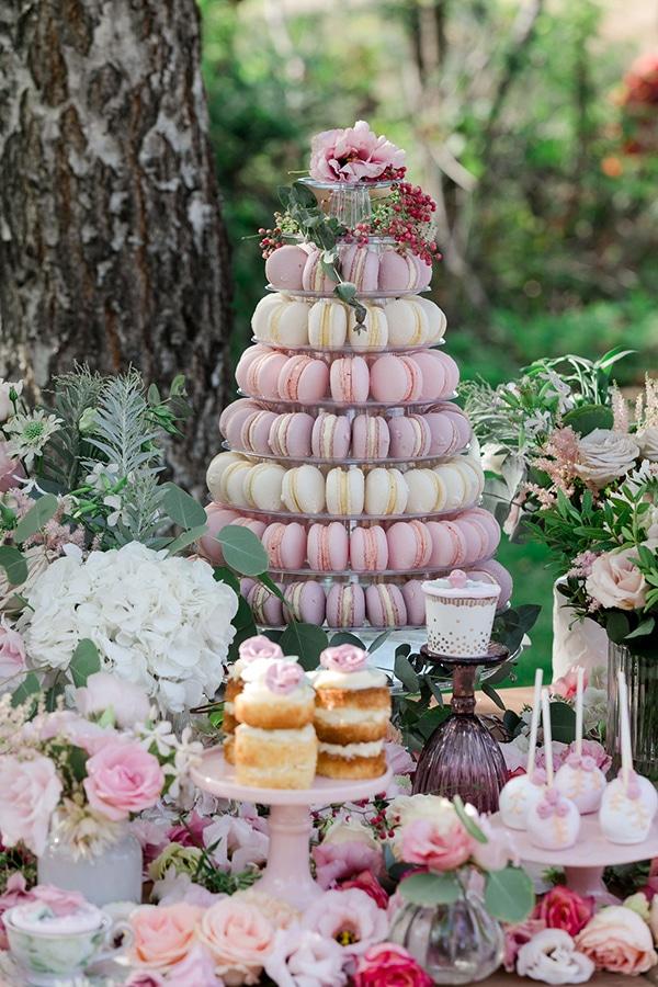 floral-girl-baptism-decoration-ideas-romantic-details-pastel-hues_01x