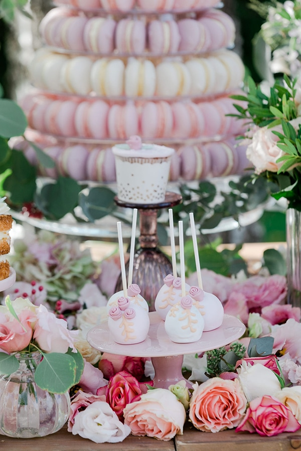 floral-girl-baptism-decoration-ideas-romantic-details-pastel-hues_03