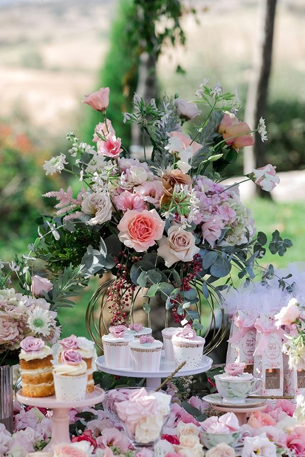 floral-girl-baptism-decoration-ideas-romantic-details-pastel-hues_11x