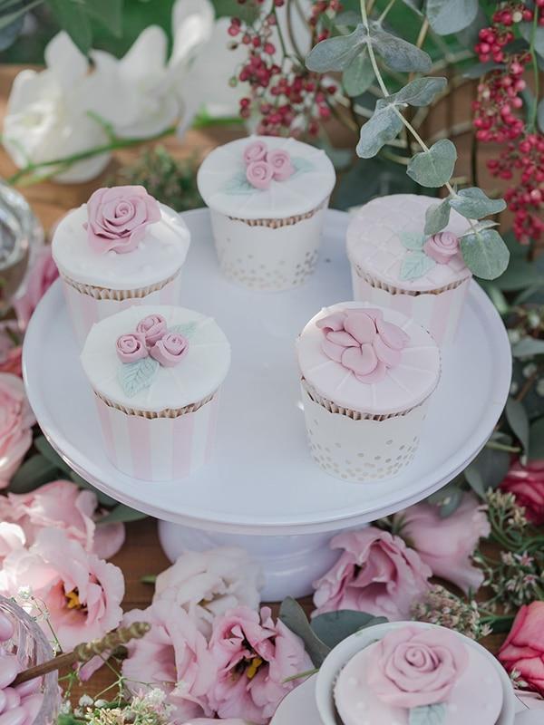 floral-girl-baptism-decoration-ideas-romantic-details-pastel-hues_12