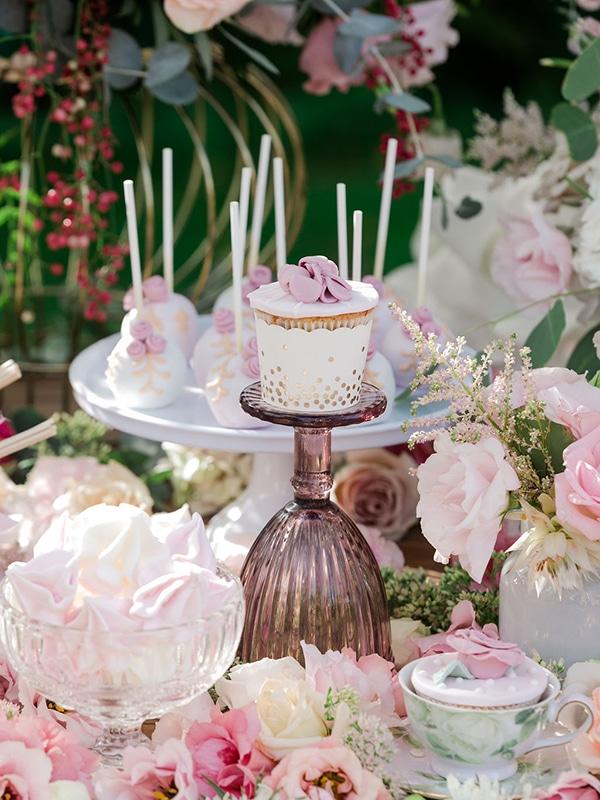 floral-girl-baptism-decoration-ideas-romantic-details-pastel-hues_13
