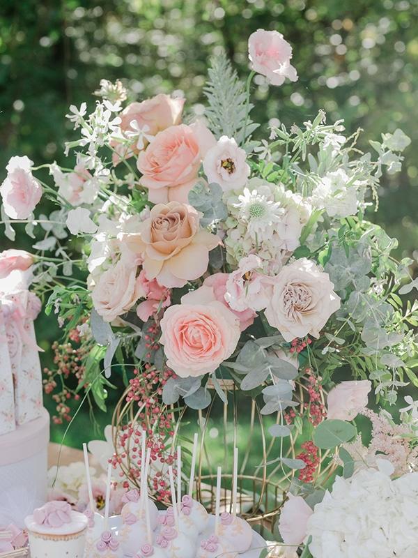 floral-girl-baptism-decoration-ideas-romantic-details-pastel-hues_13x