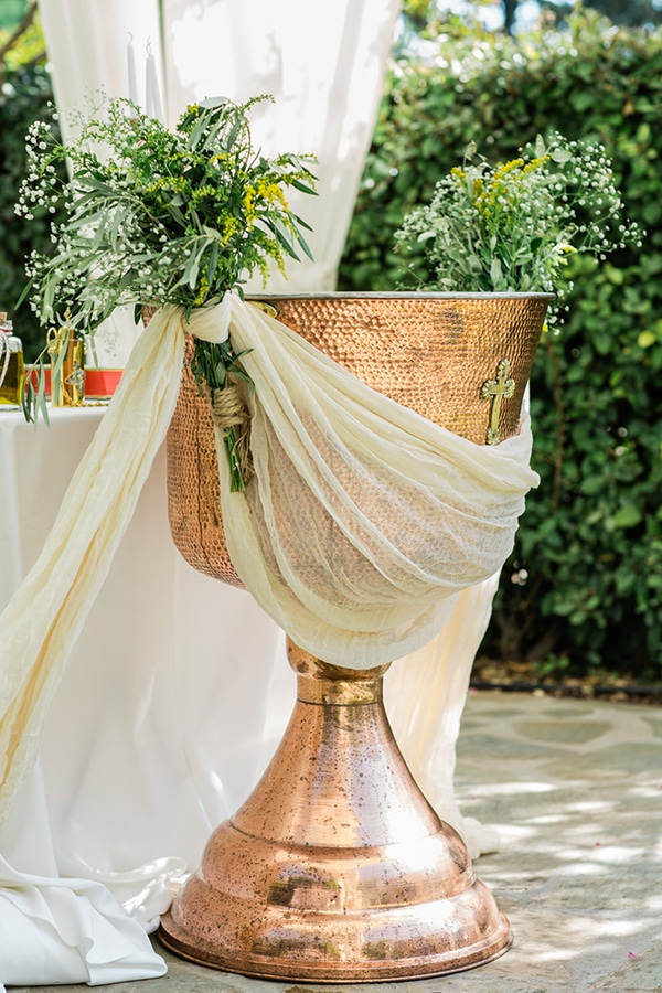 ideas-decoration-baptism-girl-olive-branches-wild--flowers_03