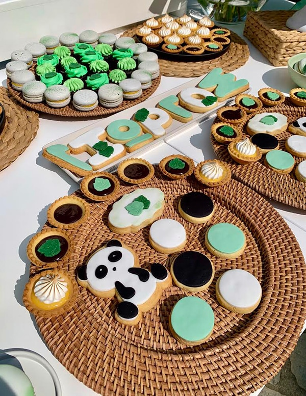 playful-boy-baptism-decoration-ideas-themed-panda_02x