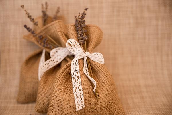 rustic-wedding-athens-lavender-chrysanthemum_05