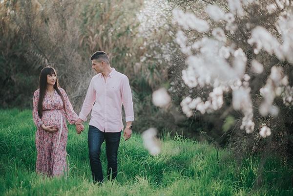 sweet-prenatal-session-blooming-almond-trees_01