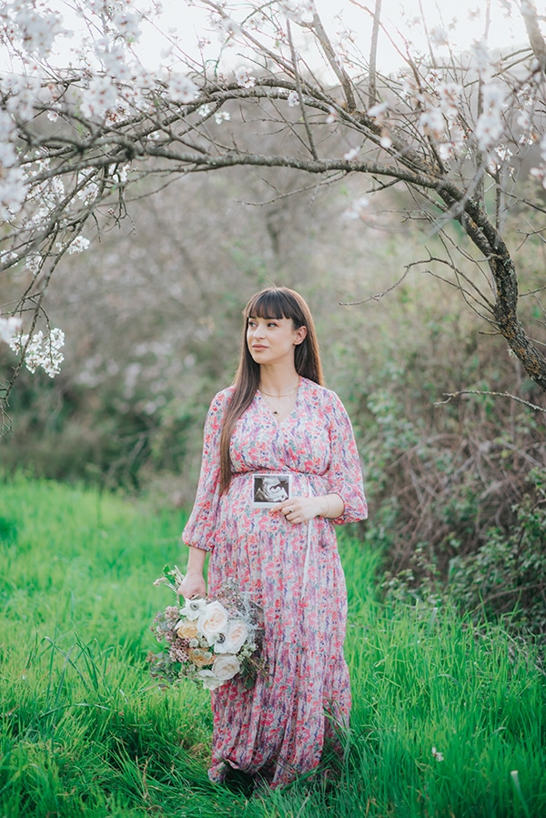 sweet-prenatal-session-blooming-almond-trees_05