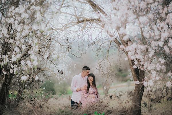 sweet-prenatal-session-blooming-almond-trees_10