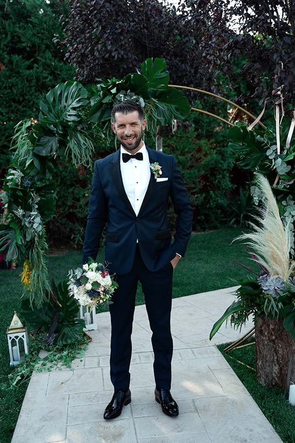 tropical-summer-wedding-athens-gold-colors_07