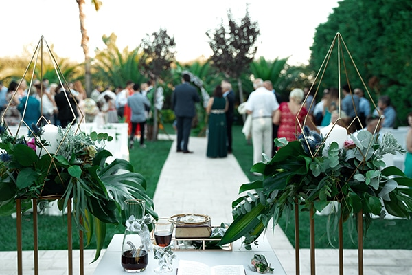 tropical-summer-wedding-athens-gold-colors_08x