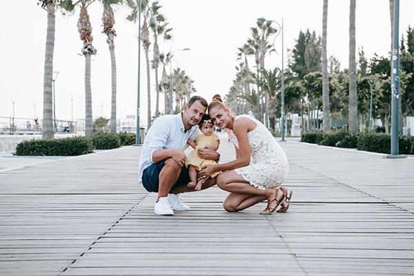beautiful-family-shoot-seaside-location-happy-mood_01