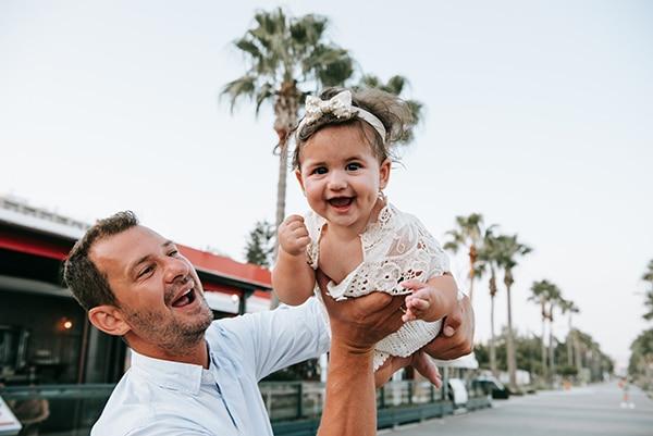 beautiful-family-shoot-seaside-location-happy-mood_06