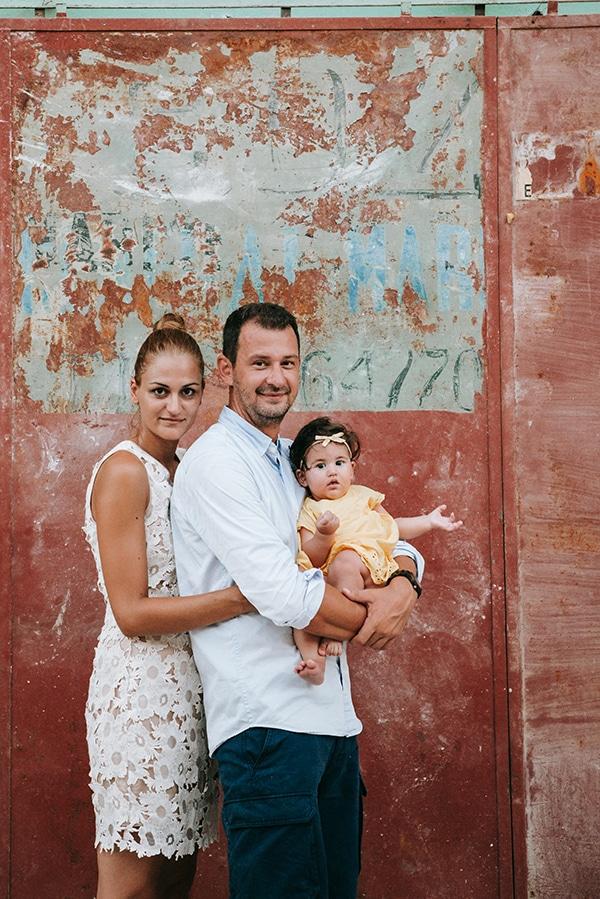 beautiful-family-shoot-seaside-location-happy-mood_12x