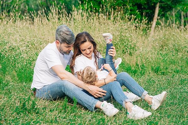 beautiful-family-shoot-tatoi-athens_02x