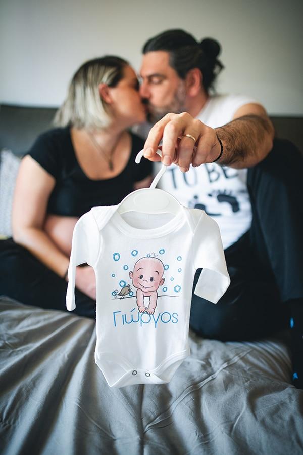 lovely-prenatal-photosession-heartfelt-moments_01