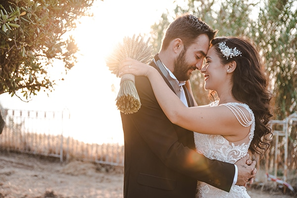 romantic-fall-wedding-thessaloniki-white-roses-grain_01