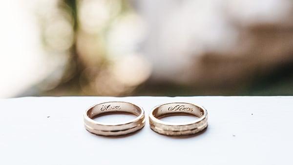 romantic-fall-wedding-thessaloniki-white-roses-grain_08