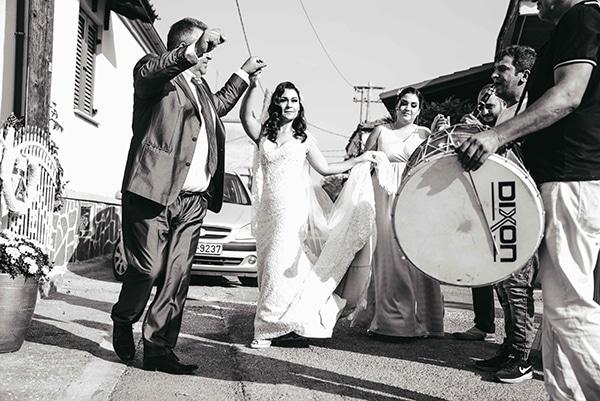 romantic-fall-wedding-thessaloniki-white-roses-grain_15