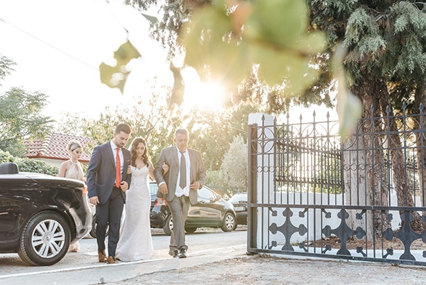 romantic-fall-wedding-thessaloniki-white-roses-grain_20