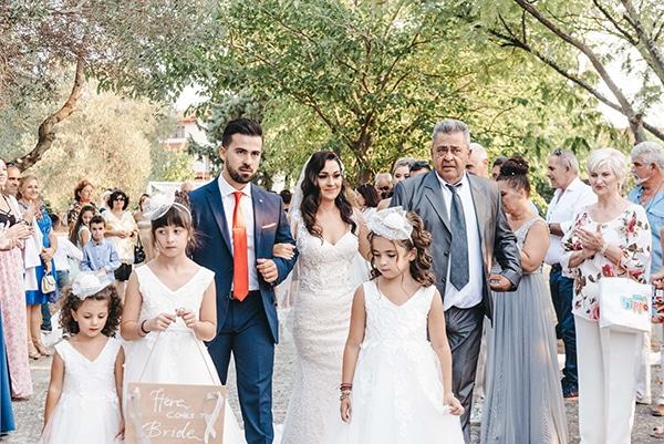 romantic-fall-wedding-thessaloniki-white-roses-grain_21