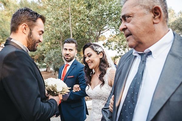 romantic-fall-wedding-thessaloniki-white-roses-grain_22