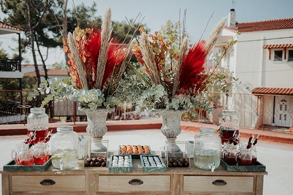 beautiful-decoration-ideas-boy-baptism-eycalyptus-wheat-unique-flowers_01