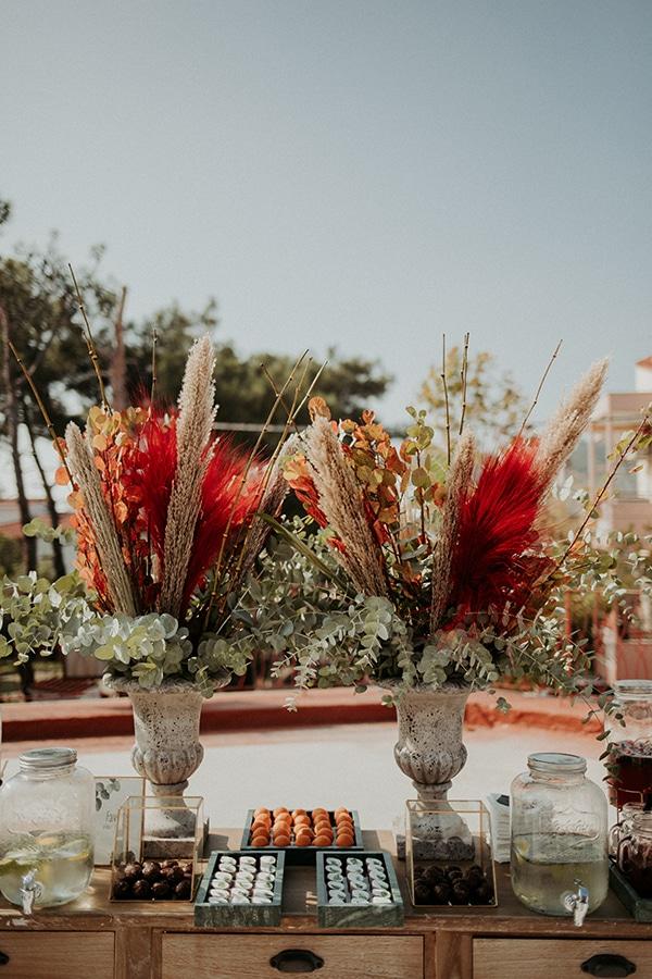 beautiful-decoration-ideas-boy-baptism-eycalyptus-wheat-unique-flowers_03