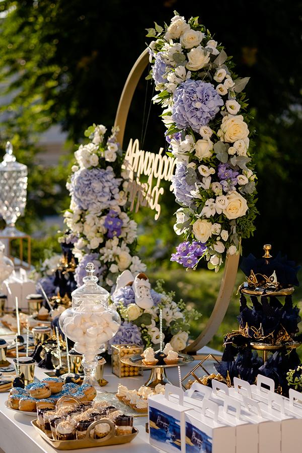 summer-boy-baptism-thessaloniki-white-roses-dusty-blue-hydrangeas_03x