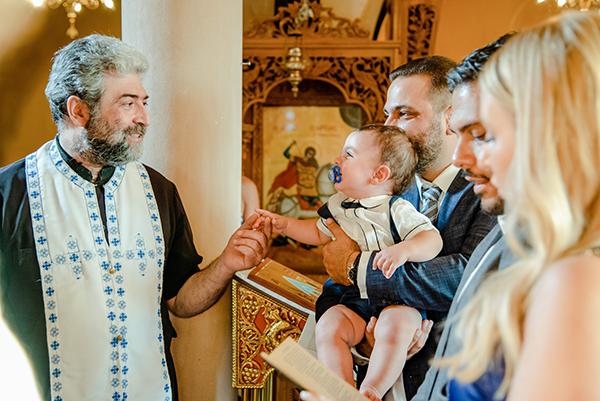 summer-boy-baptism-thessaloniki-white-roses-dusty-blue-hydrangeas_08