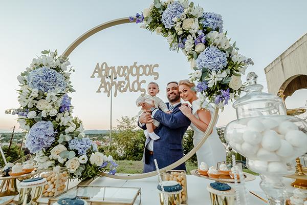 summer-boy-baptism-thessaloniki-white-roses-dusty-blue-hydrangeas_10