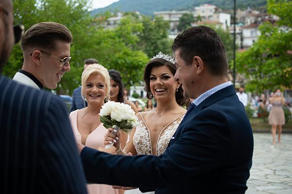 summer-wedding-larisa-beautiful-floral-design_11