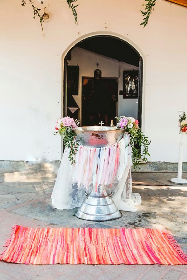 bohemian-floral-decoration-ideas-girl-baptism-cactus-themed_01x