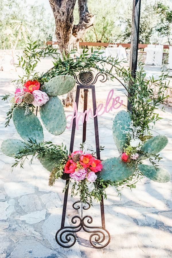 bohemian-floral-decoration-ideas-girl-baptism-cactus-themed_05x