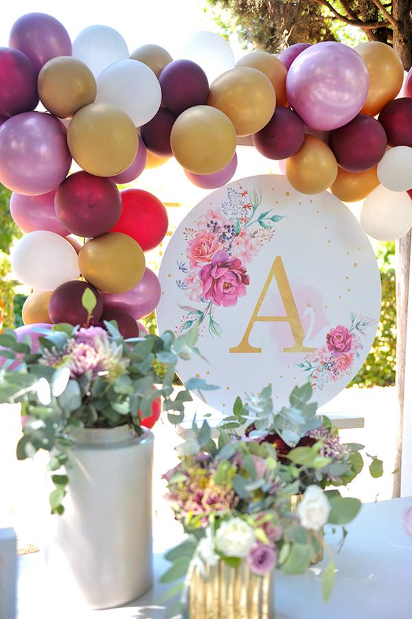 girly-baptism-thessaloniki-balloons-themed-white-swan_06