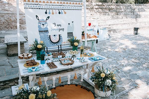 dreamy-wedding-kefalonia-lush-flowers-arrangements-romantic-elements_01
