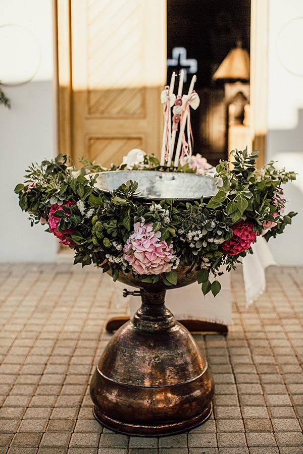 fantastic-decoration-ideas-girl-baptism-girly-colors_08