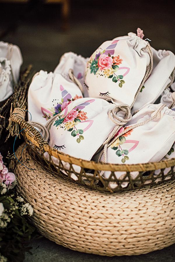 fantastic-decoration-ideas-girl-baptism-girly-colors_14
