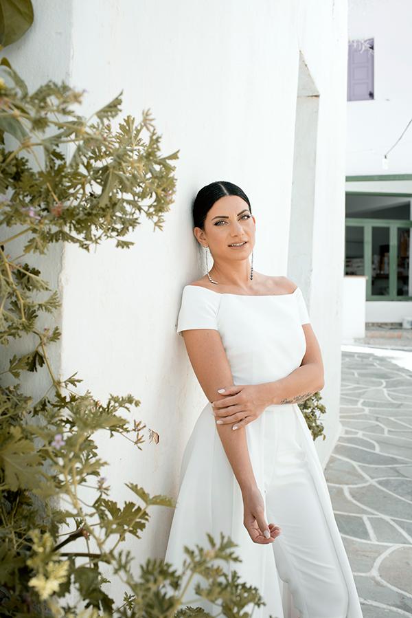 romantic-summer-wedding-kythnos-white-peonies-roses_03