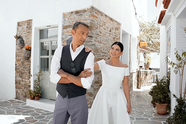 romantic-summer-wedding-kythnos-white-peonies-roses_03x